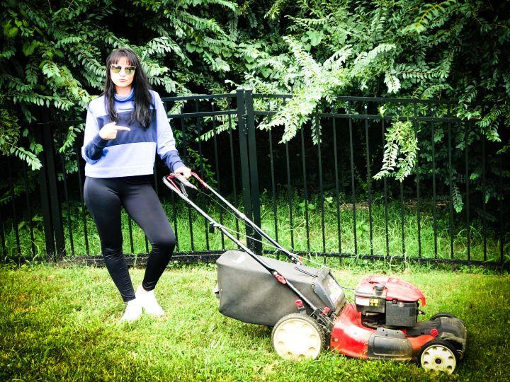 Cuttin' Grass, Cuttin' Calories