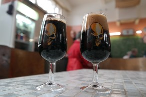 2 pitch black beers at 't Schooltje, brewery and tasting room of De Struise Brouwers