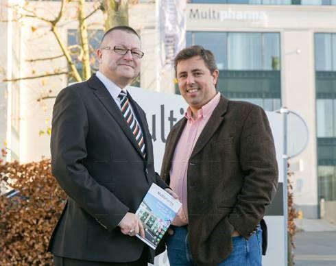 Foto (vlnr): Dirk De Boeck (Sales Director Benelux – Damovo) en Tanguy Hermanns (HR Service Center Manager en Program manager NwoW bij Multipharma)