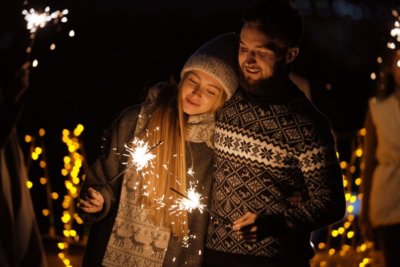 12 Holiday Date Ideas you Need to Try