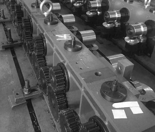 Roll forming mill gear drives