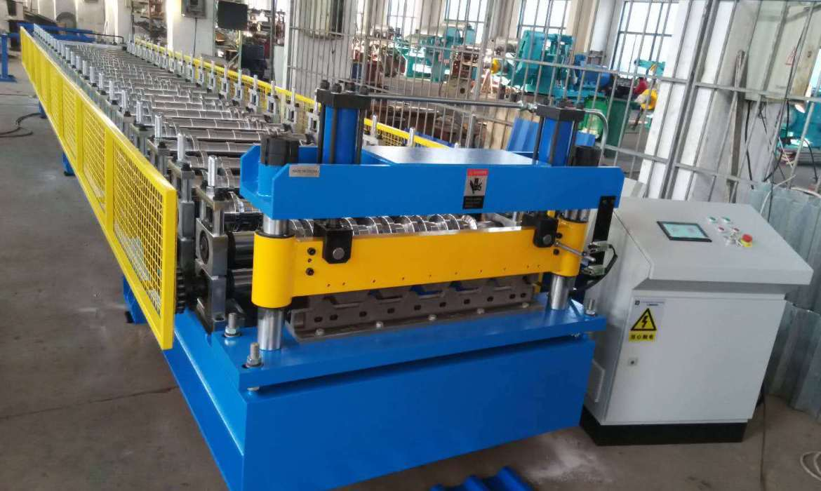 spandeck roll forming machine