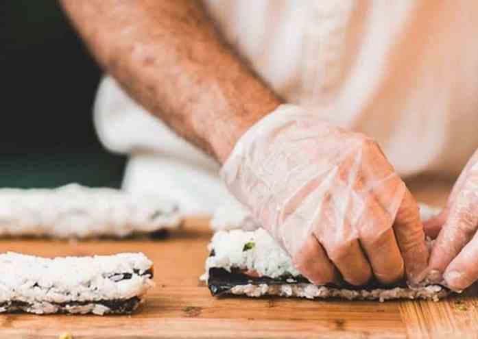como fazer sushi caseiro passo a passo
