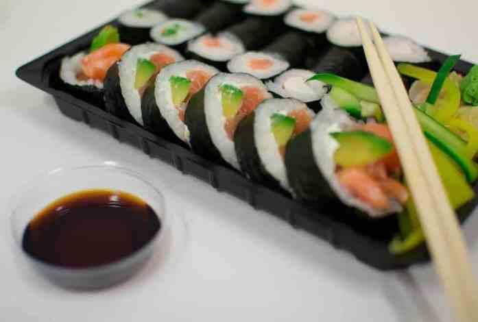 sushi como fazer em casa passo a passo