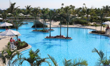 largest-pool-in-central-america