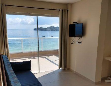 Apartamento frente ao mar em Bombinhas, SC