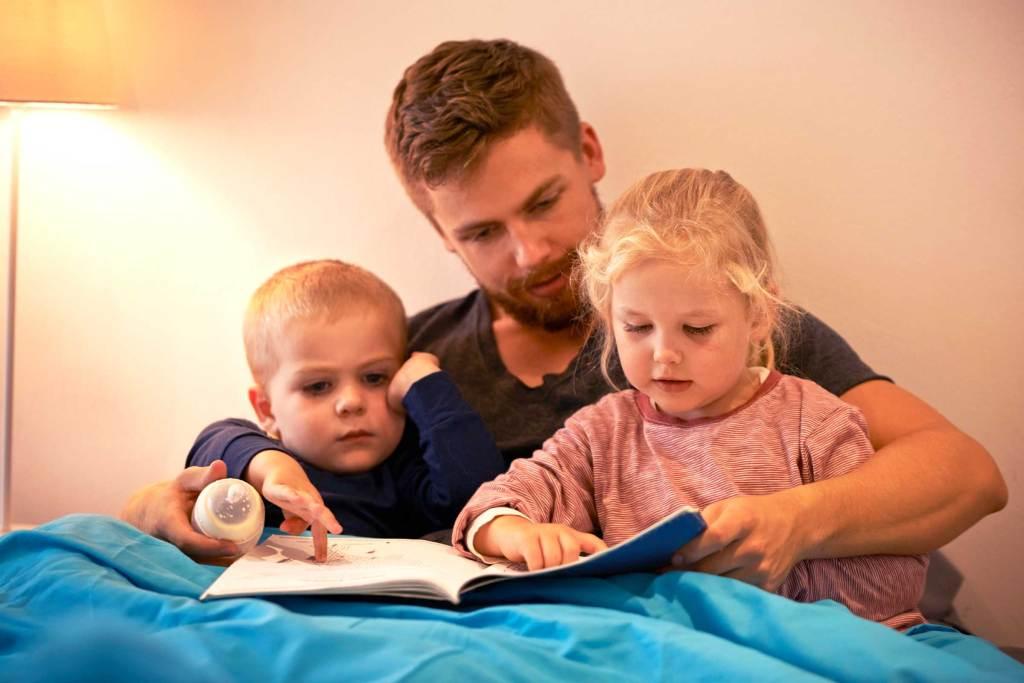 Четенето и разказването на приказки е полезно за детското развитие-bellamie