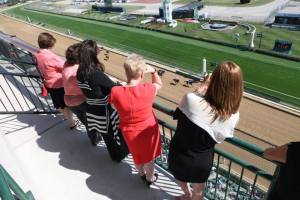 ladies-day-at-the-races