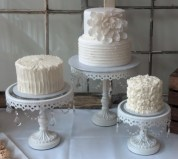 Triplet-Wedding-Cakes