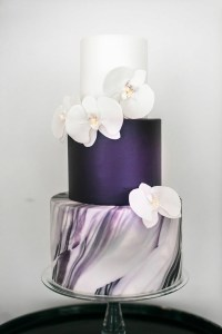 Purple marble cake for a purple bridal gown