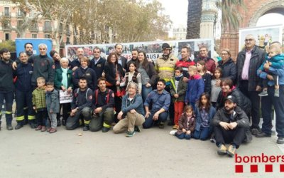Presenten el calendari solidari 'Bombers amb Causa 2018'