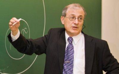 """Dr. Escrich: """"En tots els càncers hi ha una gran esperança amb la investigació de la immunoteràpia"""""""