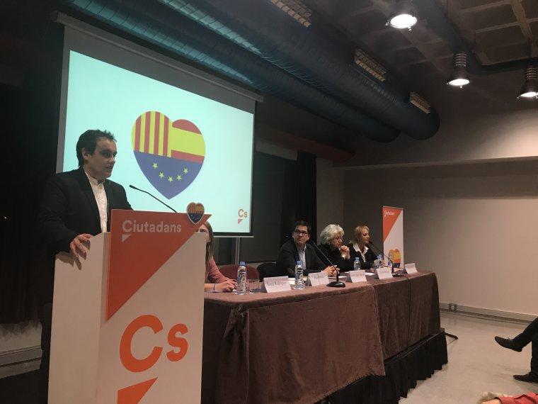 El portaveu de Cs Cerdanyola, Pau Ortolà, durant el seu parlament
