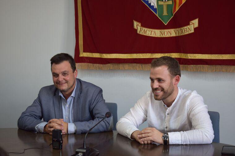 El regidor de Relacions amb Bellaterra, Víctor Francos, i l'alcalde de Cerdanyola, Carles Cordón