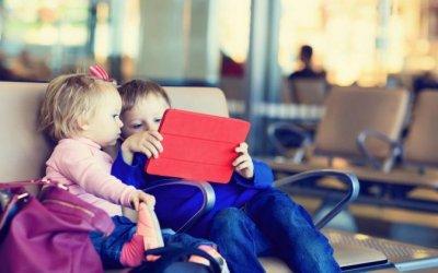 5 maneres de distreure els nens durant els viatges