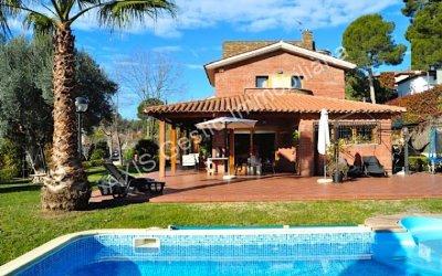 Casa en venda a Bellaterra, a un pas de l'estació
