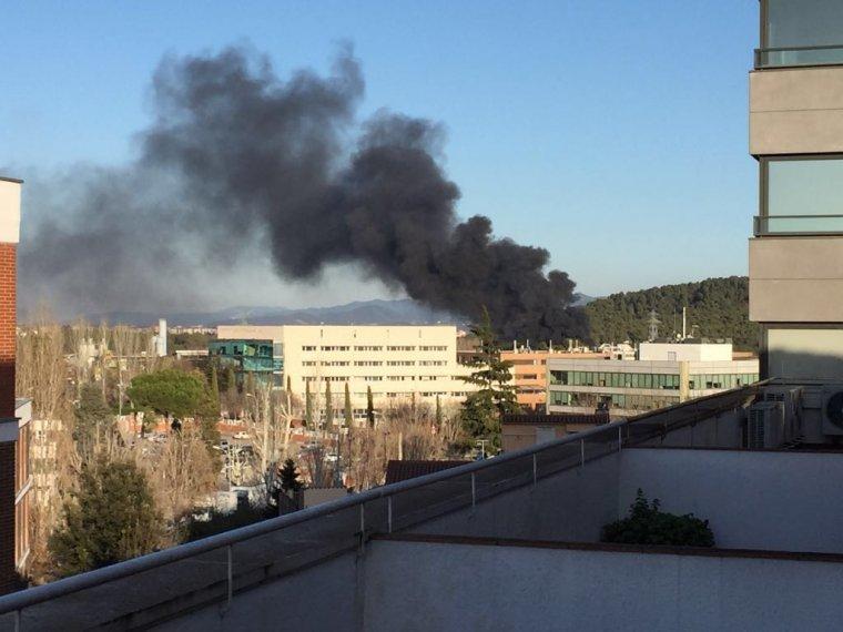 Incendi vist des d'un habitatge