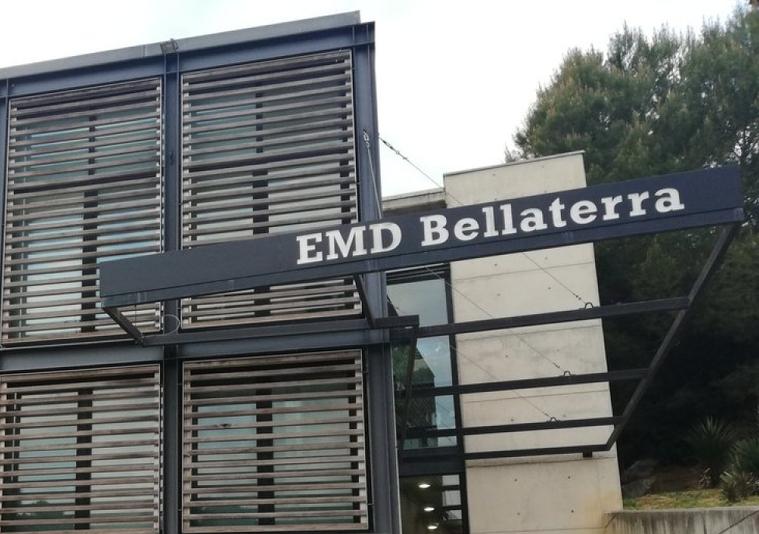 El Centre Cívic de la plaça Maragall acull les oficines de l'EMD de Bellaterra | Toni Alfaro