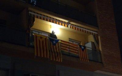 La veïna de Cerdanyola del Vallès que va rebre Albiol amb estelades i l'himne de Catalunya ho tornaria a fer