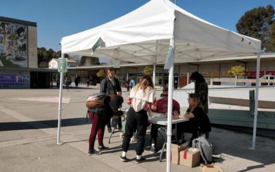 Estudiants de la UAB voten per la instauració de la República