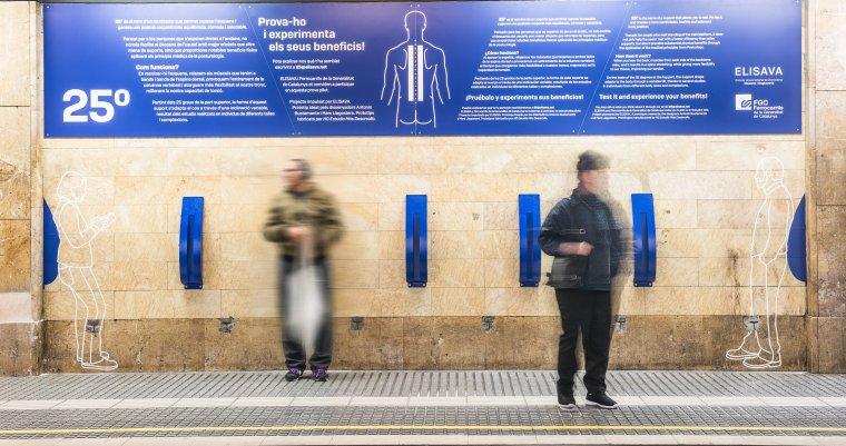 Recolzadors '25º' a l'estació de Provença
