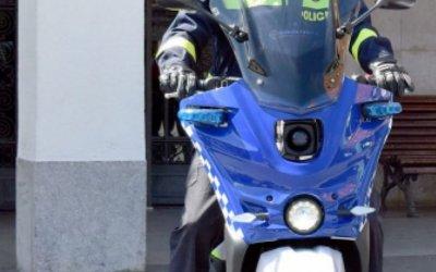 La Policia Local prova dues motos elèctriques per fer patrullatge de proximitat