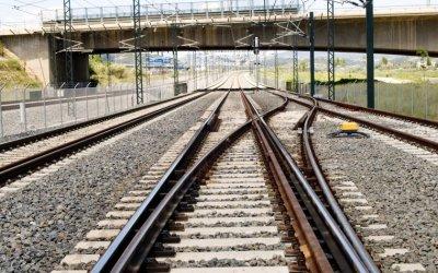 El Vallès demanarà un tren semidirecte fins a l'aeroport del Prat