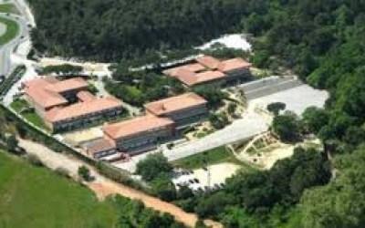 Mor una professora i resulten ferides diverses alumnes de La Vall