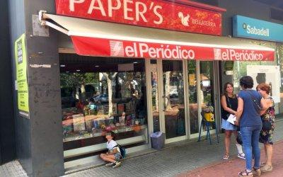 El gremi de quiosquers recorda que es pot circular per anar a comprar el diari