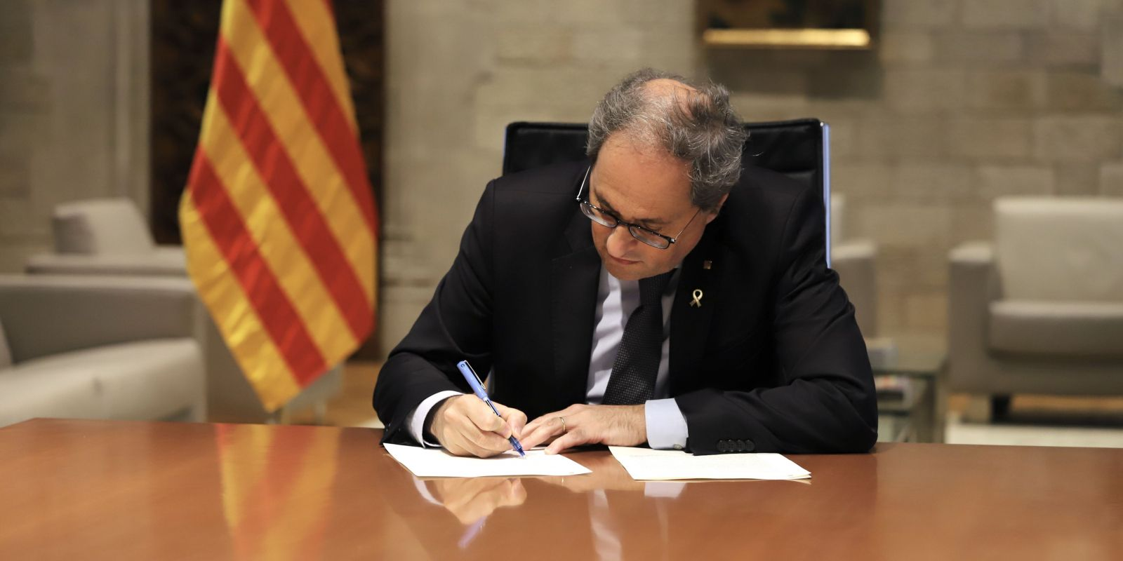 El president del Govern, Quim Torra, signa el decret de l'etapa de represa | ACN