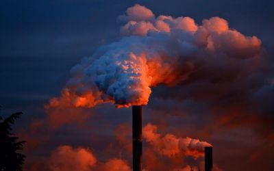 Un estudi de la UAB crida a canviar el model econòmic per frenar l'emergència climàtica