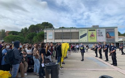 Estudiants de la UAB es mobilitzen contra l'associació d'extrema dreta 'S'ha Acabat'