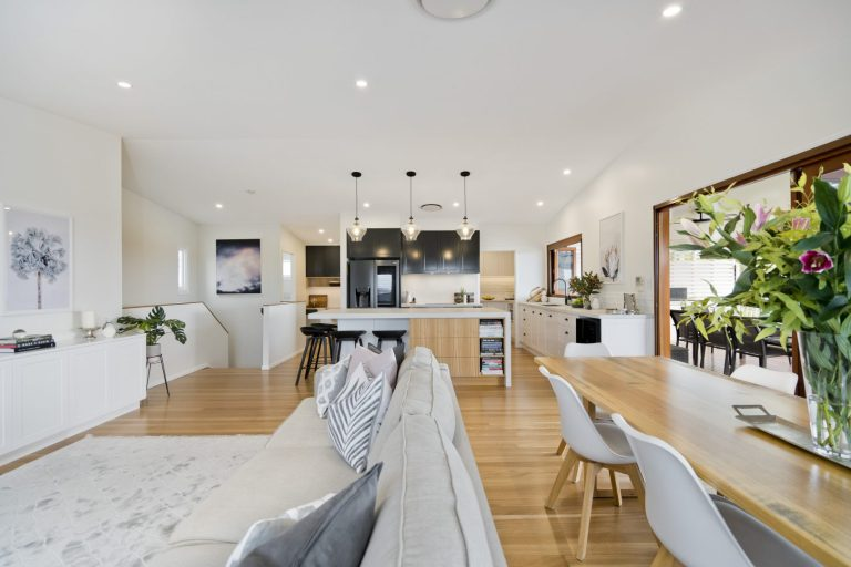 REVEAL | A contemporary Queenslander is now the perfect entertainer's home