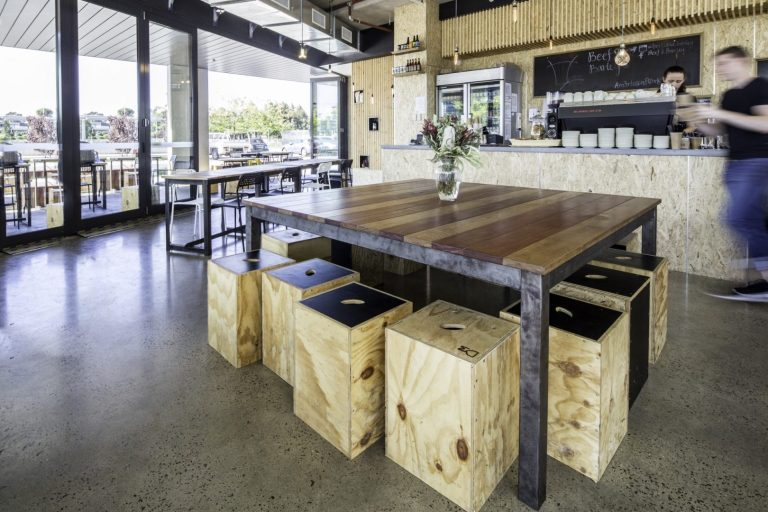 BEEF & BARLEY: PARED-BACK MINIMALIST FORESHORE EATERY
