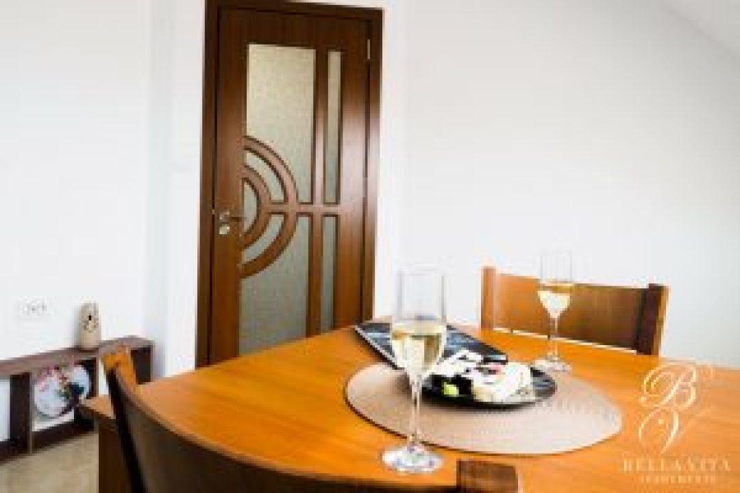 Луксозно обзаведен апартамент под наем Благоевград токи