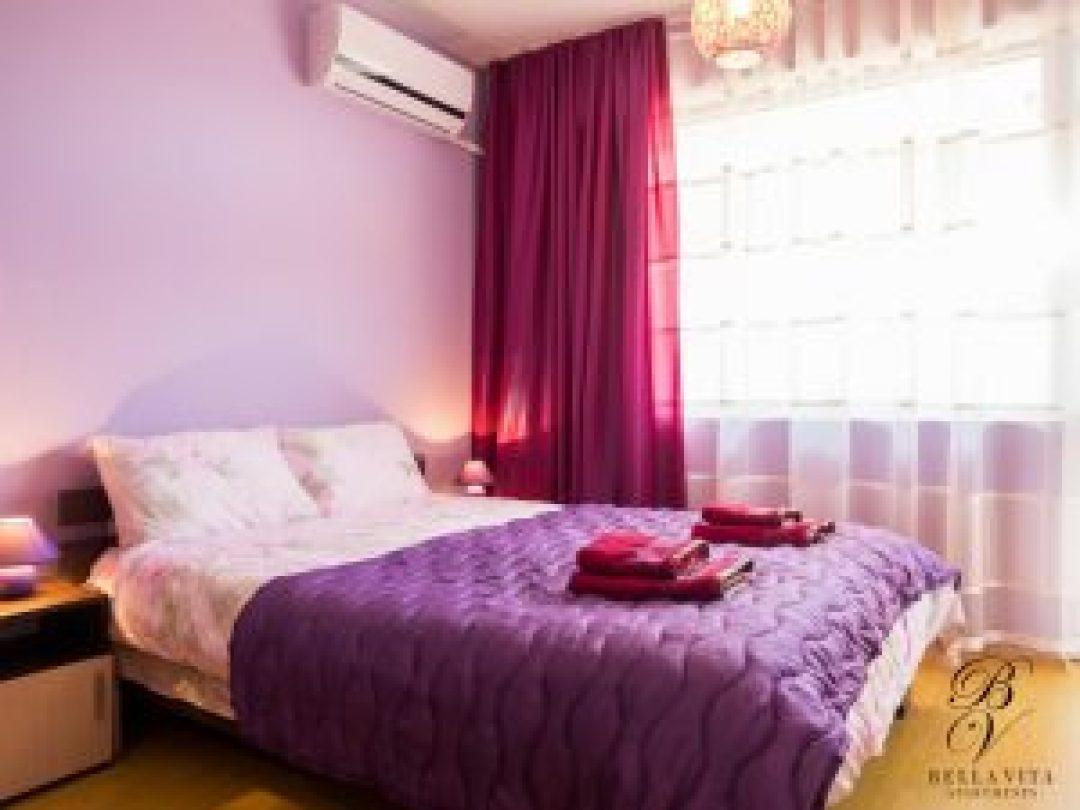 Удобна двойна спалня в луксозен апартамент под наем Благоевград буда