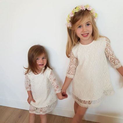 Robe en dentelle enfants