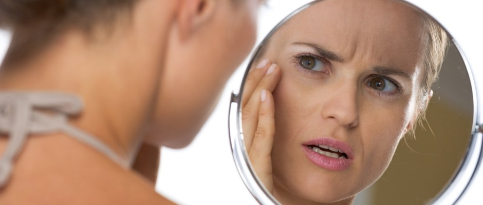 woman-mirror-face