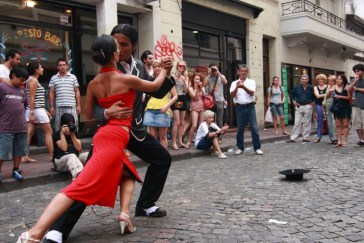 A-pair-of-tango-dancers-perform-on-February-25-2009-in-San-Telmo-in-Buenos-Aires-Argentina.-The-tango-dance-originated-from-Buenos-Aires-and-Montevideo-Uruguay-805x538
