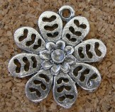 Fleur argentée, diamètre de 23mm, Emballage de 3 pour 1.50$
