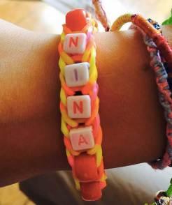 Bracelet élastiques perles en lettres