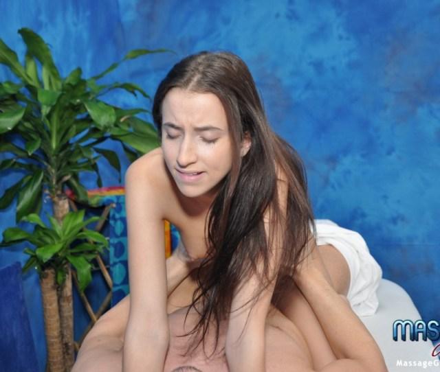 Girls  Belle Knox Massage Therapist Seduction