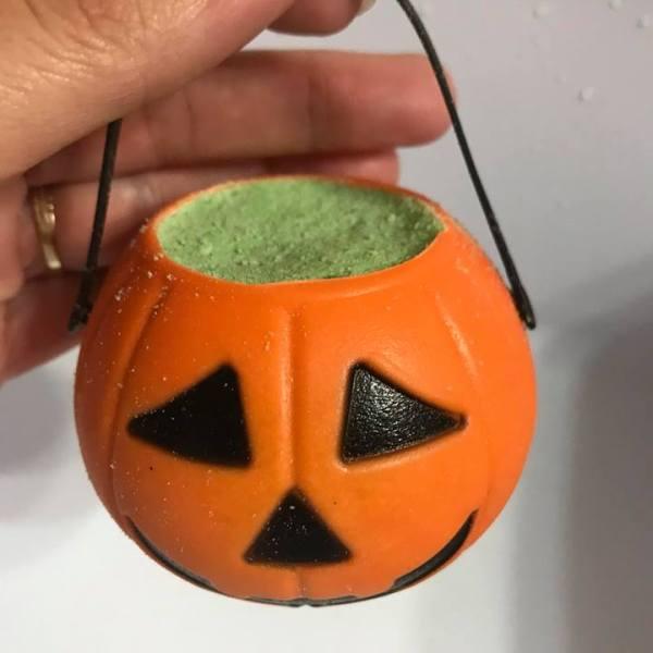 Pumpkin Pail Bath Bomb