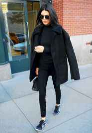 03 Chic All Black Outfit
