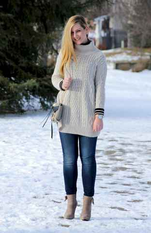 32 Amazing Outfit Ideas for Wearing Oversized Sweaters