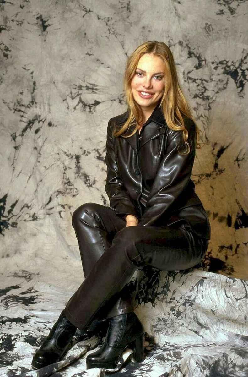 53 Cool Girls WaysTo Wear Leather Legging