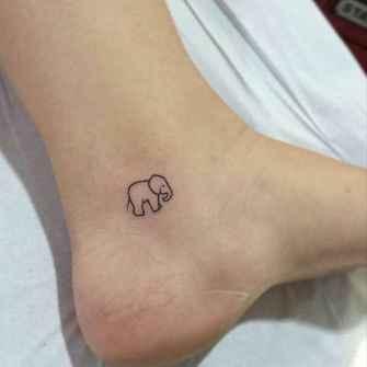 63 Minimalist Tattoos For Every Gir