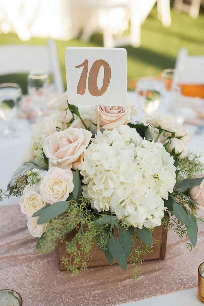 03 Romantic White Flower Centerpiece Decor Ideas