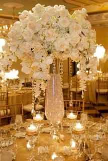 18 Romantic White Flower Centerpiece Decor Ideas