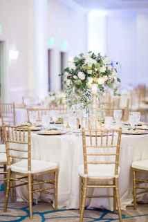 20 Romantic White Flower Centerpiece Decor Ideas